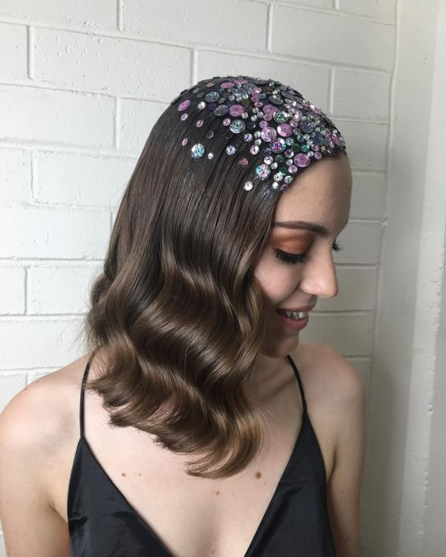 Medium Wavy Hairstyle With Sequins