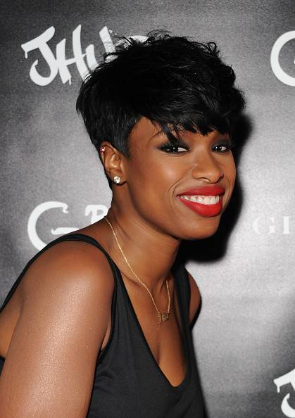 Jennifer Hudson short hairstyle for black women