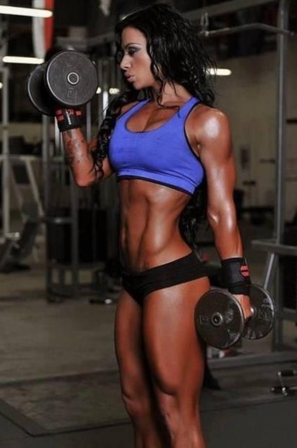 Ashley horner female fitness motivation therippedathlete com