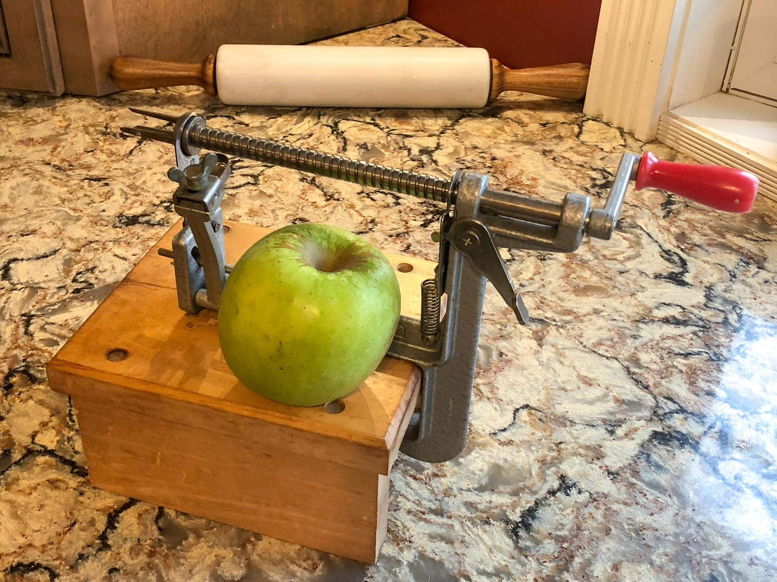 Imposing Apple Sauced Burgers Apple Sauced Burgers Salted Pepper Pampered Chef Apple Peeler Corer Pampered Chef Apple Peeler Slicer houzz-03 Pampered Chef Apple Peeler