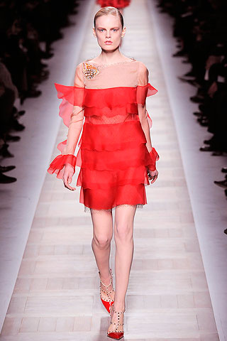 00230m1 HOW TO WEAR RED FOR FALL 2010   The Sche Report / Margaret Sche