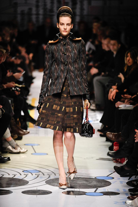 10 1285186836 MILAN FASHION:  D&G open SPIGA2 as a way to showcase emerging Designers   The Sche Report / Margaret Sche