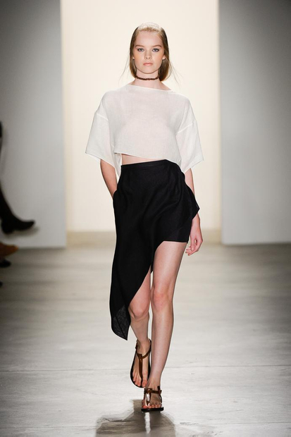 my zoomed image 2 SPRING/SUMMER 2011 TOP 10 TRENDS:  #8 ASYMMETRY   The Sche Report / Margaret Sche