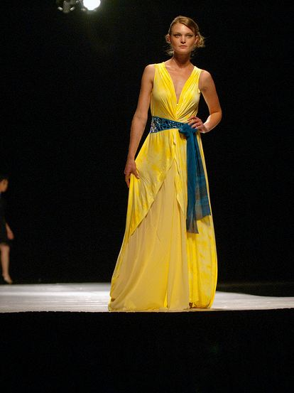 alis dress on runway FINDING TALENT: UCLAs FAST SPRING SHOW   ILLUMINATION   The Sche Report / Margaret Sche