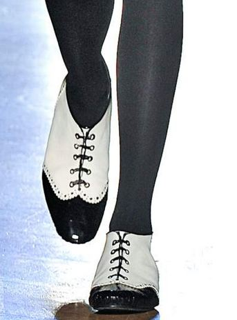 runway oxford 5 KEY ITEMS FOR FALL 2011: GET THE LOOK   The Sche Report / Margaret Sche