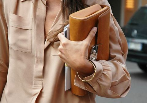 street style 4 FALL 2011 TREND ALERT: THE ENVELOPE CLUTCH   The Sche Report / Margaret Sche