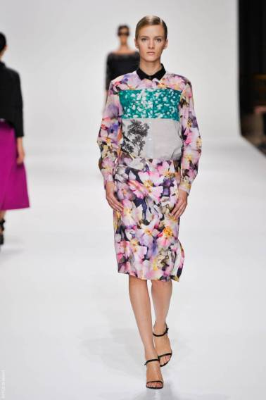 4 dries van noten dvn ps12 046 SPRING 2012 PARIS MID WEEK FAVORITES   The Sche Report / Margaret Sche
