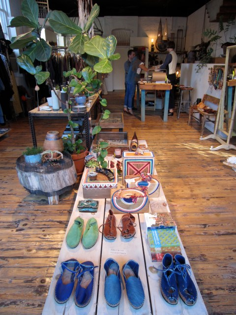 img 0109 RETAIL REVIEW:  BEAUTIFUL DREAMERS   The Sche Report / Margaret Sche