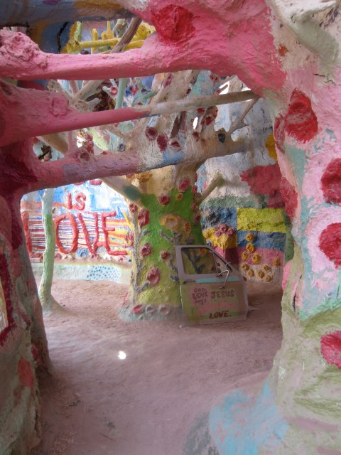 img 1594 SOUTHWEST PILGRIMAGE: SALTON SEA & SALVATION MOUNTAIN   The Sche Report / Margaret Sche