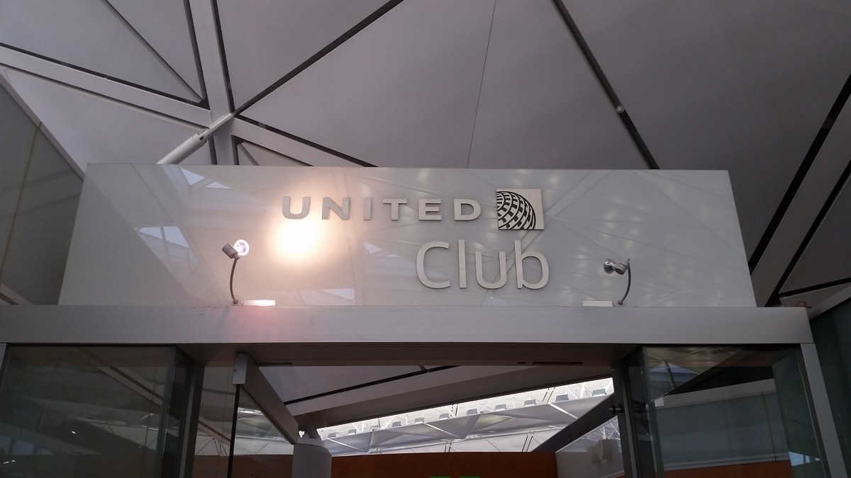 Lounge Review : United Club, Hong Kong Int'l Airport