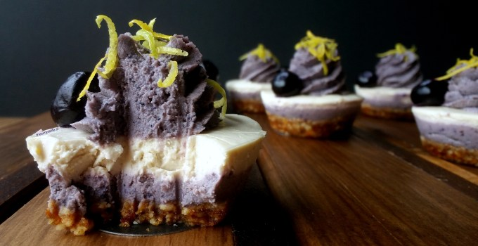 Cheesecake Crudivegano de Limón y Arándano-Maqui.