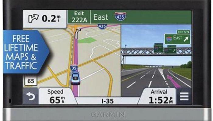Garmin-Nuvi GPS navigator with bluetooth