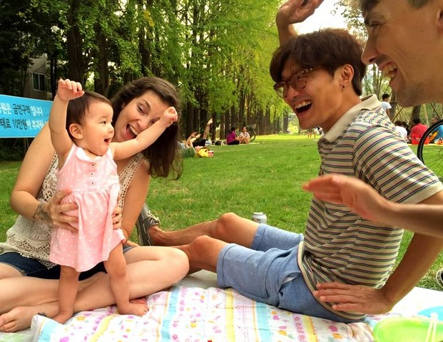 Yeonnam-dong, Seoul, Korea: Gyeongui Line Forest Park, family picnic, baby