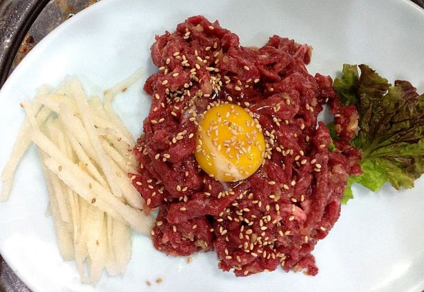 Korean Eating: Yuk-hoe