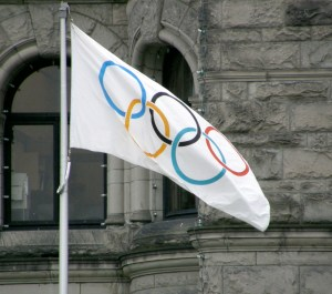 The Olympic Flag. By Makaristos - Own work, Public Domain, https://commons.wikimedia.org/w/index.php?curid=4787743