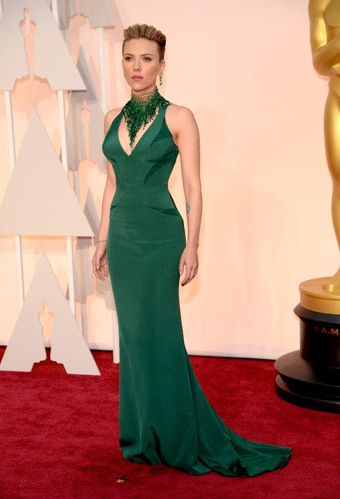 Scarlett Johansson in Versace.