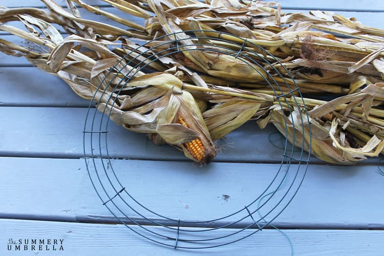 This super easy DIY Corn Husk Wreath is not only gorgeous, but can also be used throughout the fall season. Gotta love that!