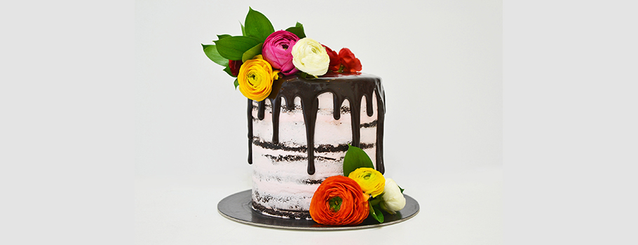 SEMI-NAKED-CAKE-WITH-FLOWERS