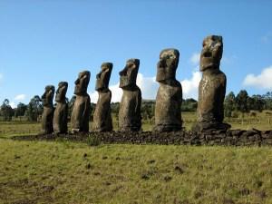 Easter-Island_Moai-Stone-Statues_3642
