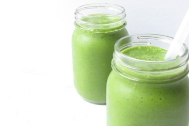 simple matcha smoothie