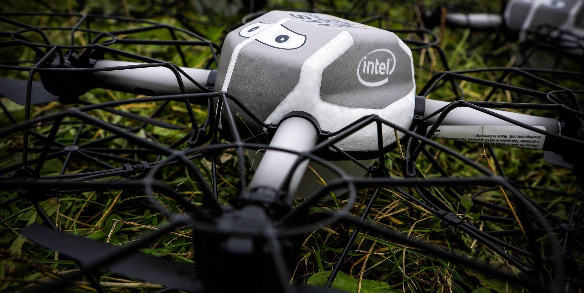 Intel Flies 500 Drones at Same Time for World Record