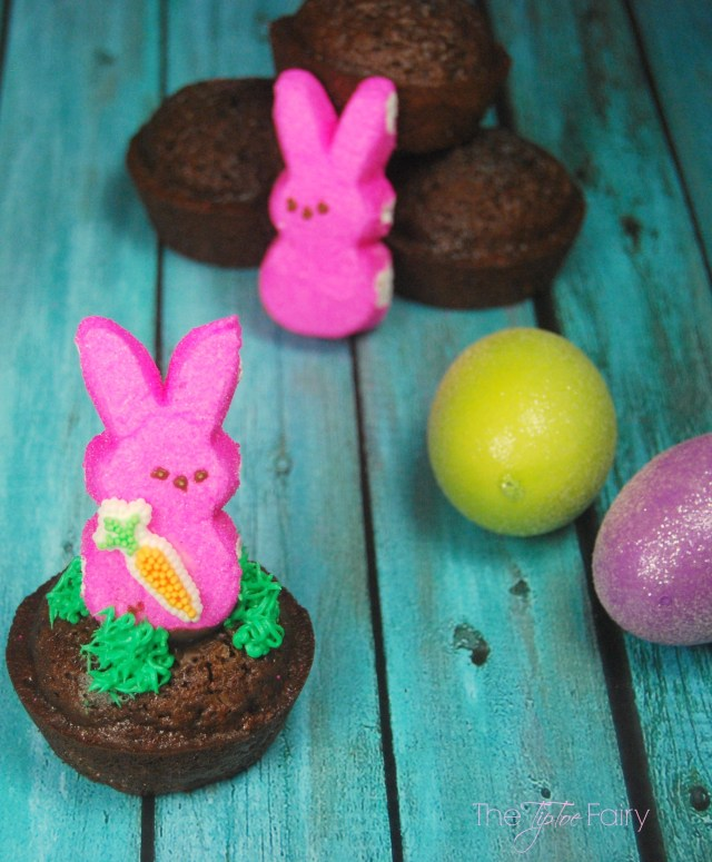Easy PEEPS® Bunny Brownies - perfect for Easter. Come join us for The PEEPS® Blog Hop - full of recipes, crafts, and more! | The TipToe Fairy #PEEPSONALITY