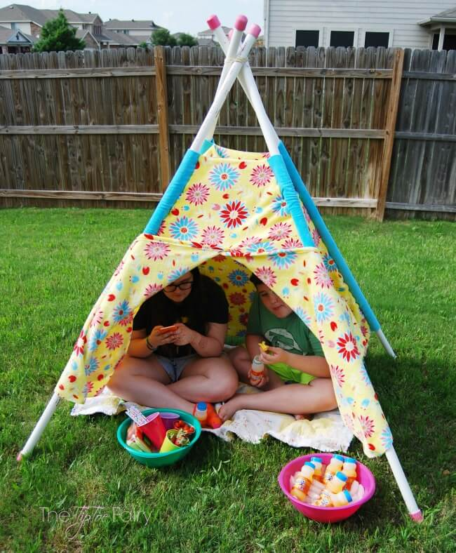 Have Fun in the Sun and make your own Play Tent for your kids - easy tutorial with no pattern!   The TipToe Fairy #ad #WhereFunBegin