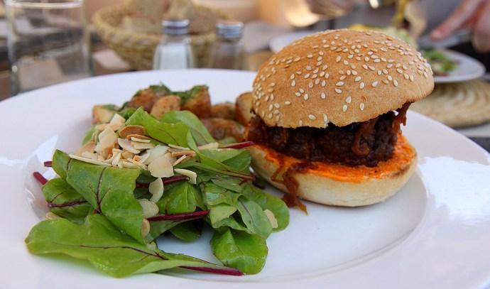 lamb burger - marrakech, morocco - thetraveloguer travel blog