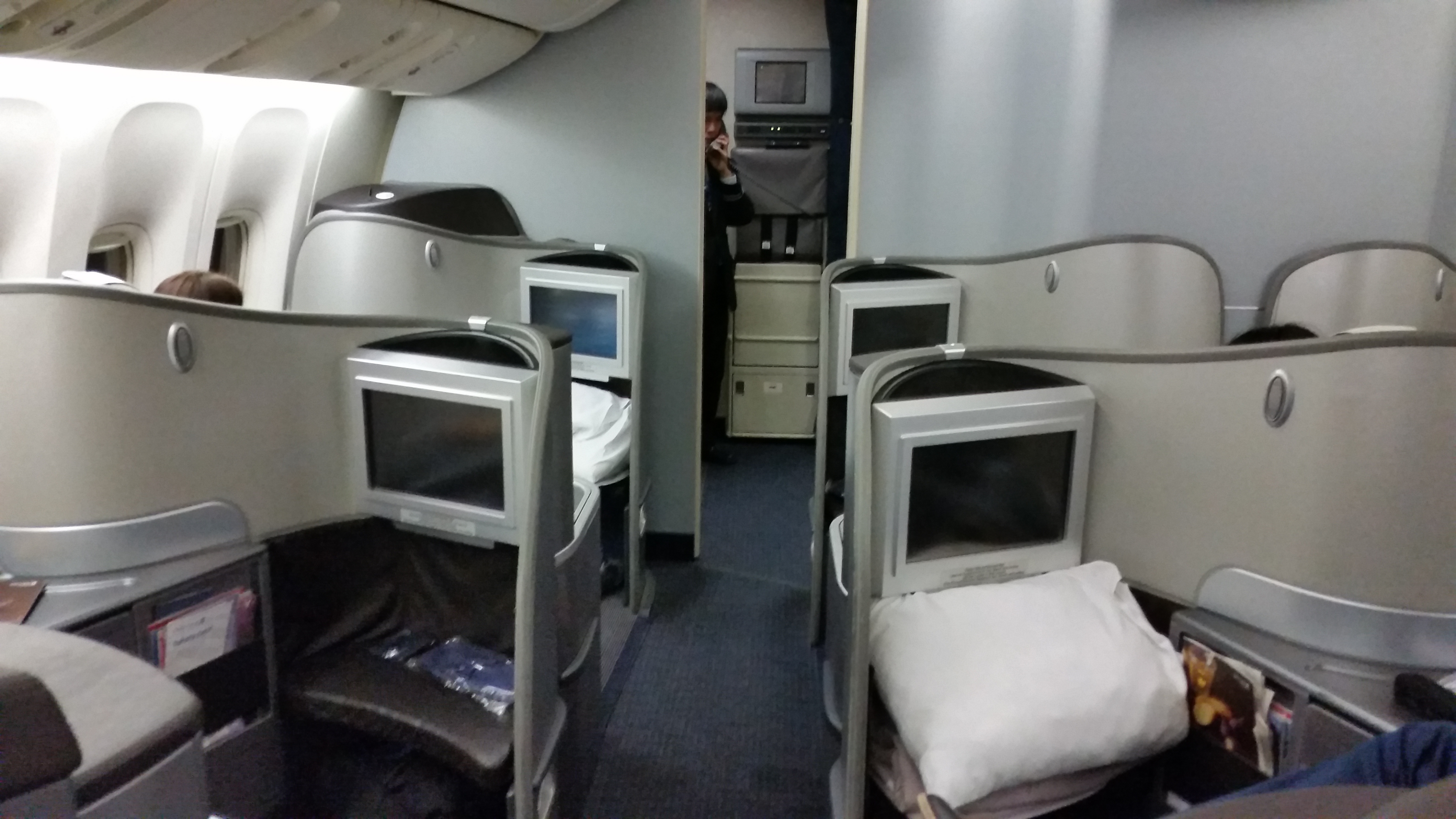 United Airlines First Class 777 200 Review: United Global ...