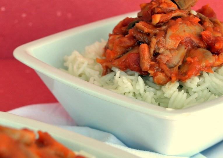 To κοκκινιστό του χορτοφάγου: Πλευρώτους με μπασμάτι