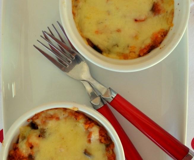 Φουρνιστό κοκκινιστό πλιγούρι με μελιτζάνες κ τυρί