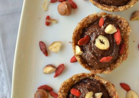 Υγιεινά σοκολατένια ταρτάκια με νουτέλα χωρίς ψήσιμο