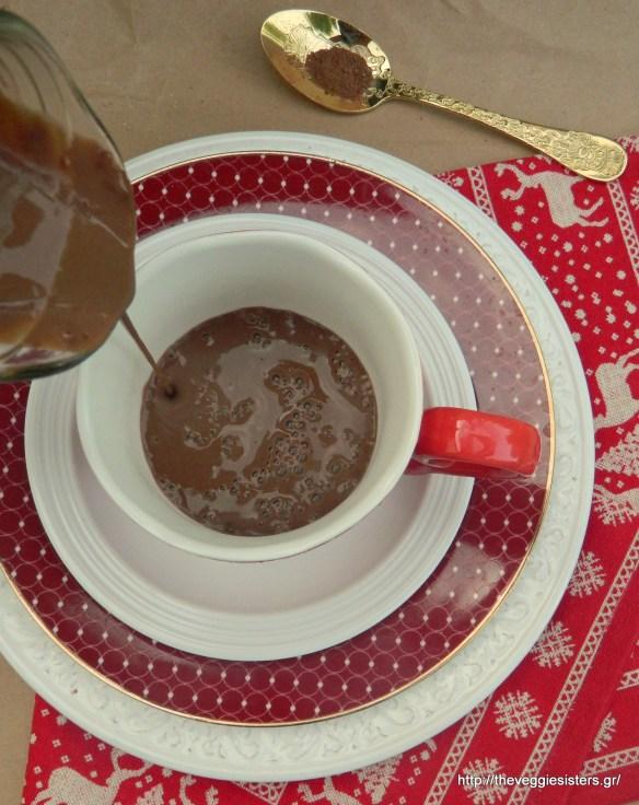 Ζεστή αληθινή σοκολάτα - Hot Chocolate