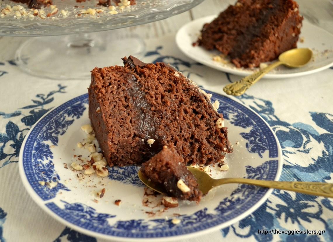 Διώροφο σοκολατένιο κέικ