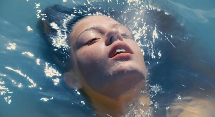blue-is-the-warmest-colour-is-the-film-that-made-me-body-image-1421174064