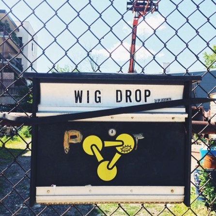 A weirdly placed Wig Drop sign in Red Hook