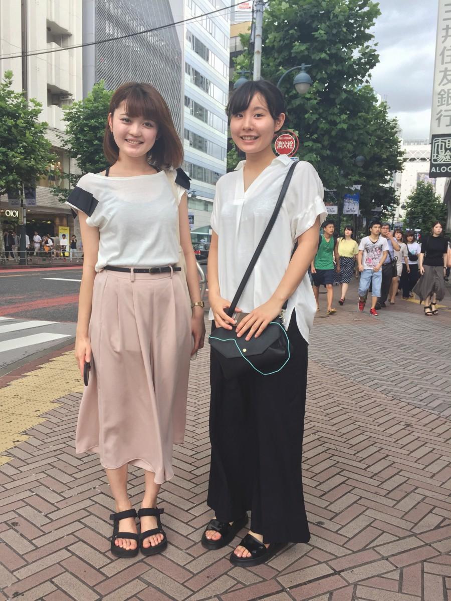 Två typiskt klädda Tokyobor.