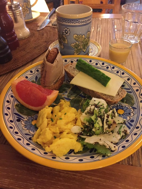 Breakfast time Axel Guldsmeden