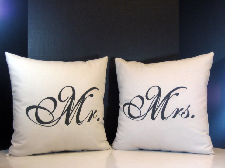 funny-pillows-1