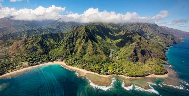 2016 Travel Destinations: Hawaii (photo: Christopher Michel/Flickr) | TheWeekendJetsetter.com