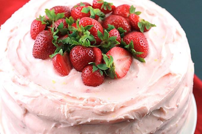 Black-&-White-Strawberry-Lemon-Cake-T