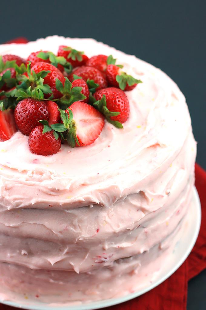 Black-&-White-Strawberry-Lemon-Cake.2
