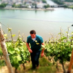 Johannes Leitz makes lunch at home in Rudesheim (oh, yeah and we get to try his 2011 rieslings)