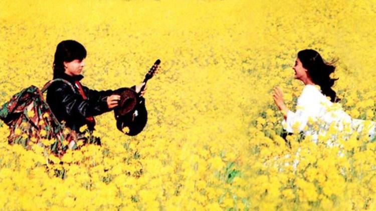 A still from Dilwale Dulhaniya Le Jayenge, showing Raj (Shahrukh Khan) and Simran (Kajol)