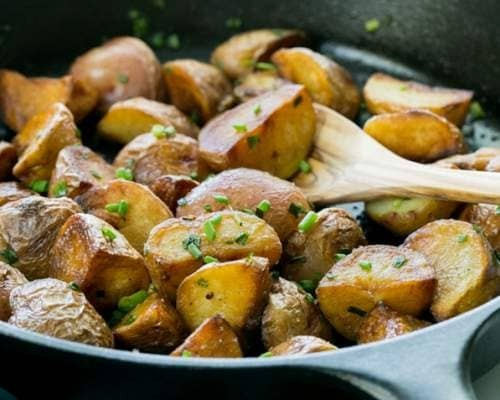 Жареная картошка с грибами и луком