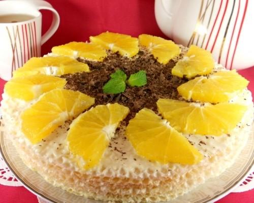 Торта из вафельных коржей с фруктами