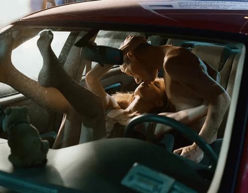 Секс с беременной в автомобиле