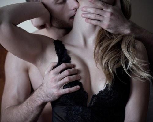 Мужчина должен разогреть женщину в сексе