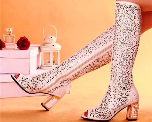 1441702324_white-summer-boots-womens-for-kabluk