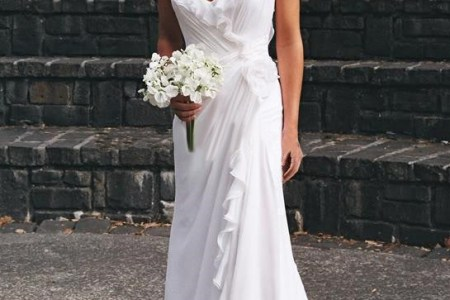 beautiful and relaxed beach wedding dresses 37